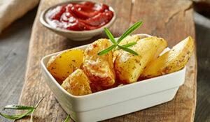patatas cortadas brevas frescas listas para cocinar